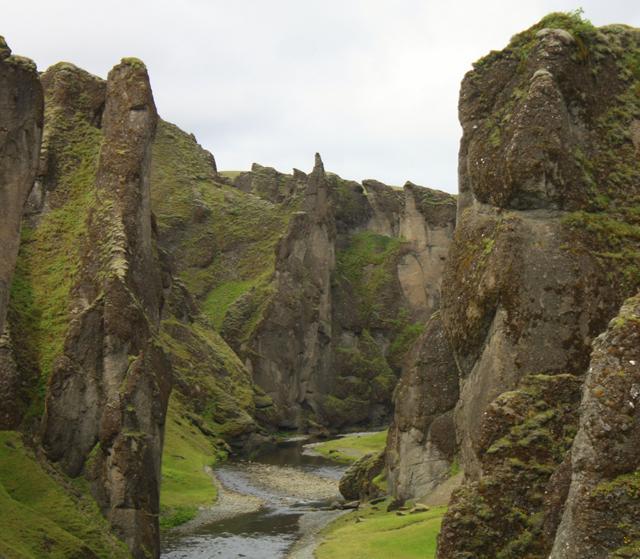 Fjaðrárgljúfur Canyon, Iceland3